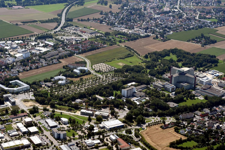 Rund um das Universitätsklinikum gibt es noch Freiflächen. Im Frühjahr oder spätensten Sommer soll hier mit zwei Hochhausprojekten gestartet werden.