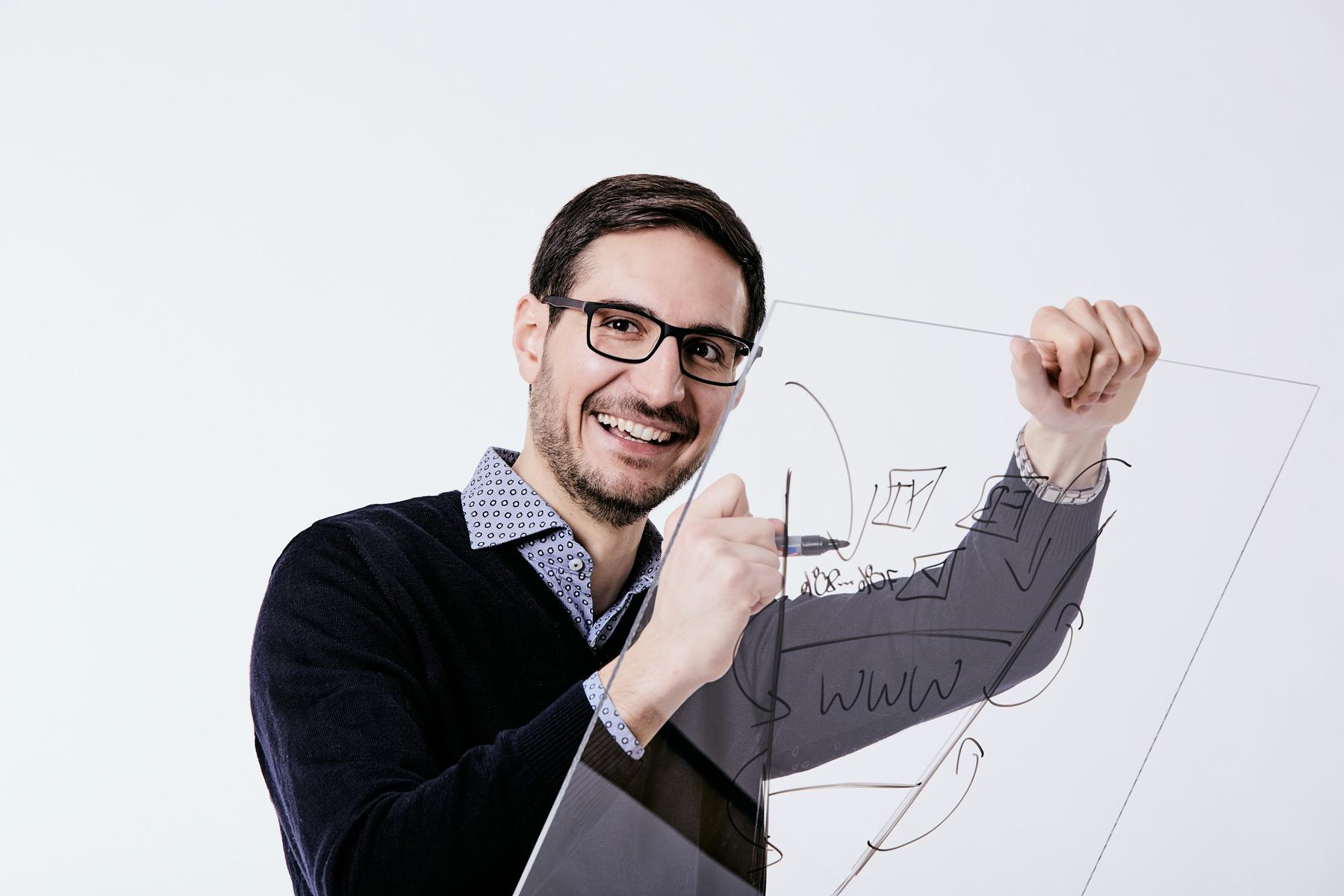 Portrait Jonas Fartaczek