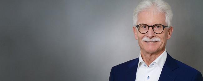Portraitaufnahme: Rupert Hackl, Geschäftsführer, Rupert Hackl Immoconsult GmbH