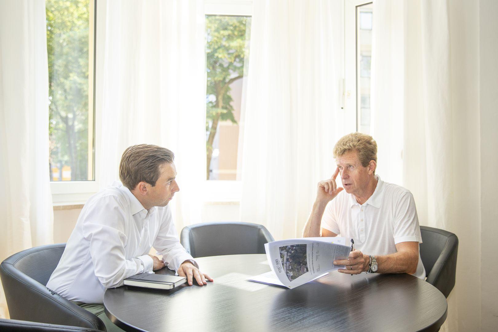 Peter Wagner Immobilien AG: Dominik Lange (li.) und Peter Wagner (re.)
