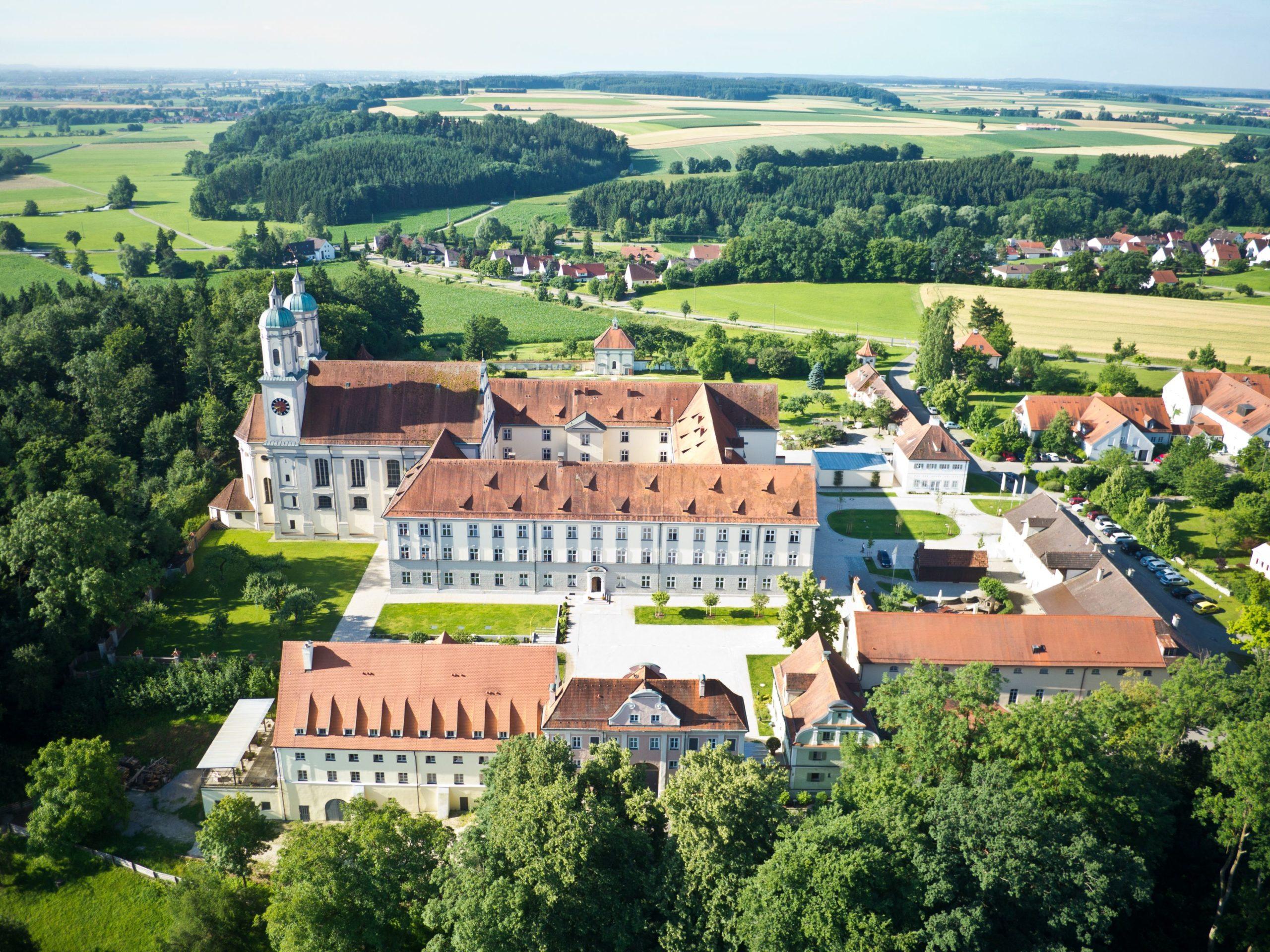 Luftaufnahme – Kloster Holzen