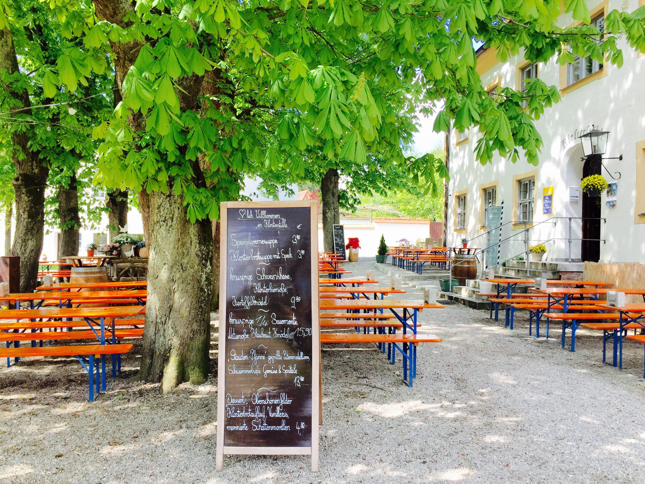 Biergarten beim Kloster Oberschönenfeld