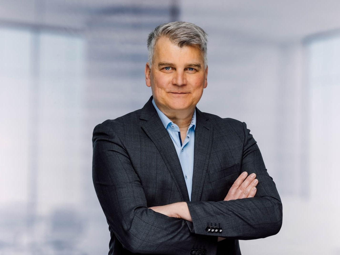 Dr. Ralf Koeppe
