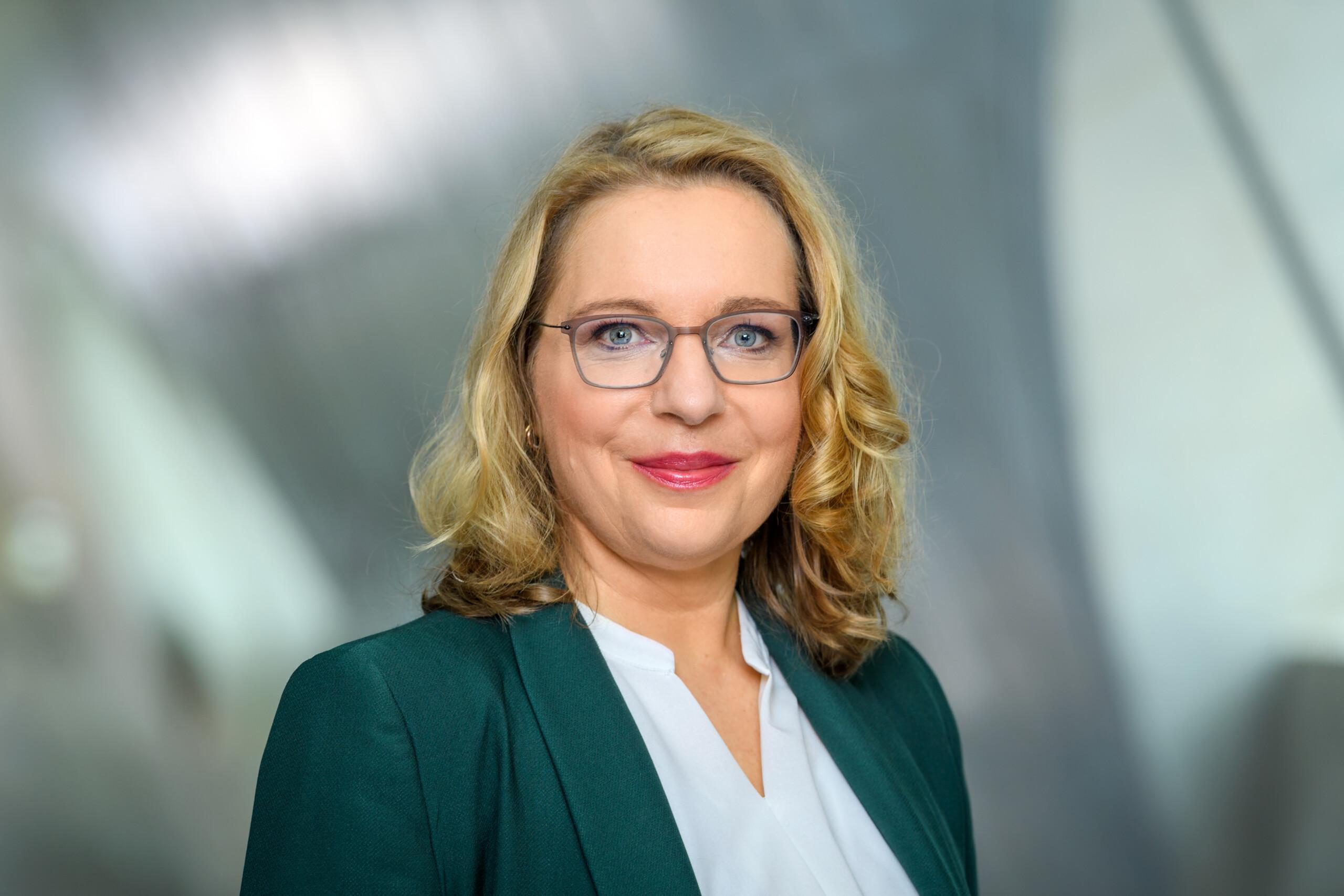 Porträt Prof. Dr. Claudia Kemfert