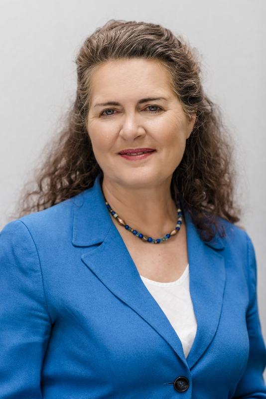 Prof. Erika Regnet